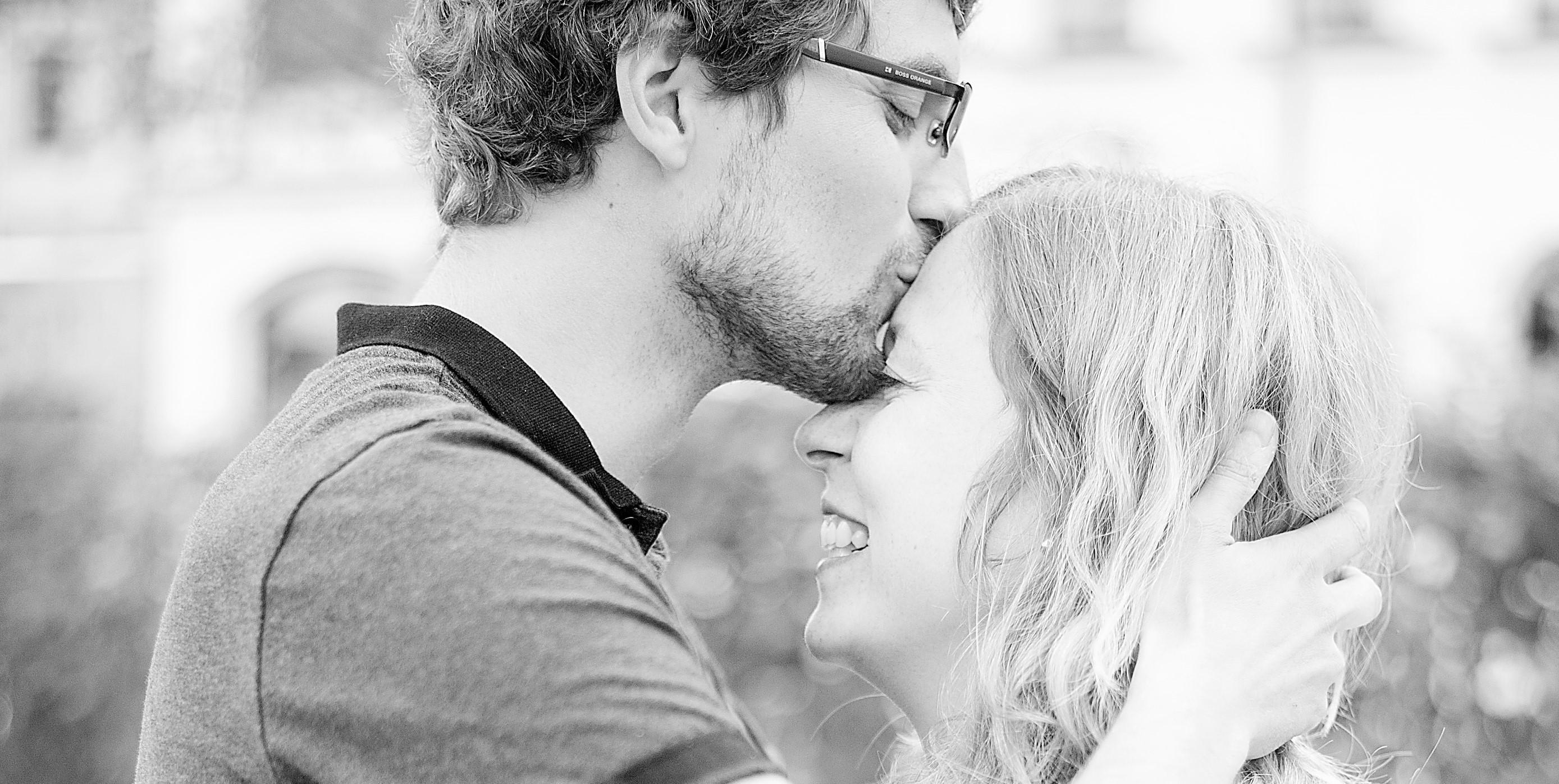 Kuss auf die Stirn